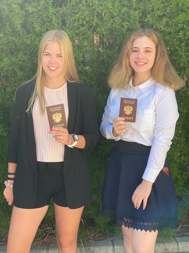 Выпускники школы-пансиона Malta Crown